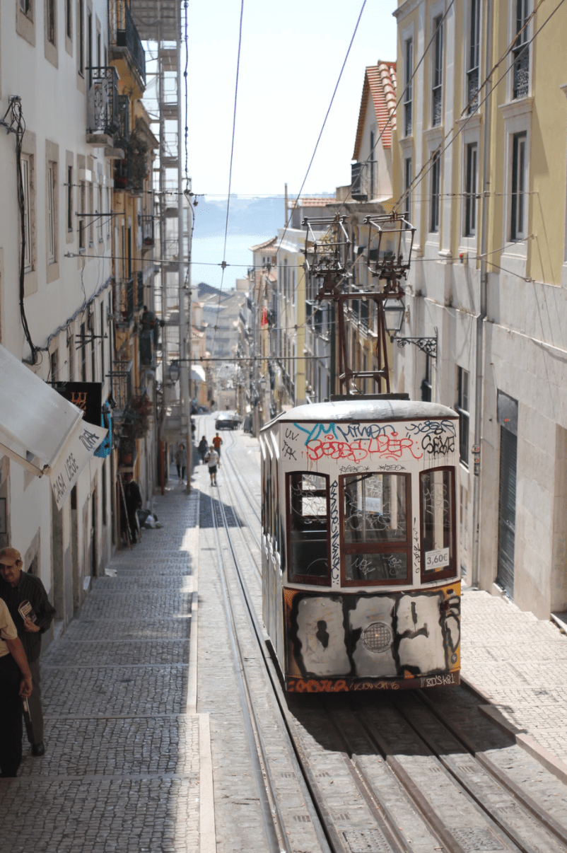 local transport lisbon